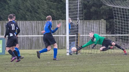 Ryan Keeble puts the Woodpeckers in front with a fine turn and finish. Photo: PAUL LEECH