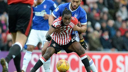 Joel Asoro is shadowed by Cameron Carter-Vickers at Sunderland Picture Pagepix