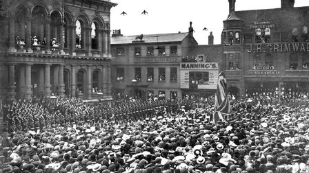 The unveiling ceremony of the Boer War Memorial by General Sir John French in front of the Town Hall