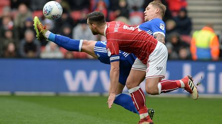 Martyn Waghorn stretches to bring the ball under control ahead of Bristol City's Bailey Wright Pictu
