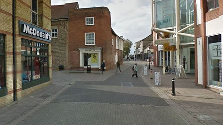 The stabbing is reported to have happened on the pedestrian area between Cornhill and Brentgovel Str