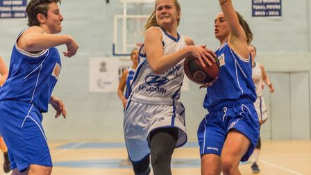 Ashliegh Pink breaks through the defence to get to the rim. Photo: PAVEL KRICKA