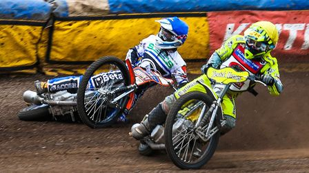 Lasse Bjerre leads a falling Rohan Tungate. Bjerre is again part of the Sheffield team in 2018. Phot