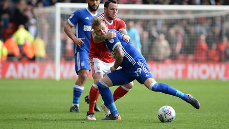 Lee Tomlin gets to grips with Luke Hyam Picture Pagepix