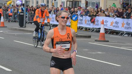Ipswich JAFFA's Helen Davies, away and clear en route to successfully defending her Brighton Maratho