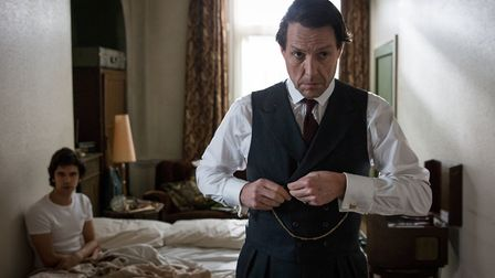 A Very English Scandal. Pictured: (L-R) Ben Whishaw as Norman Scott and Hugh Grant as Jeremy Thorpe.