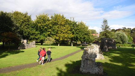 Abbey Gardens in Bury St Edmunds. The ruins of the old Cathedral. Picture: GREGG BROWN