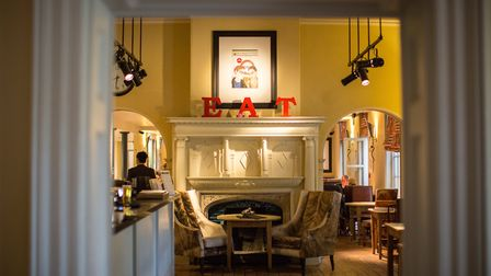 Welcoming, comfortable surroundings give a good feeling about a place to dine from the start. Pictur