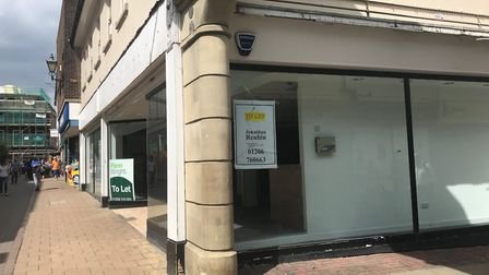 Troubles fo the town centre. Empty shop at the corner of Priory Walk, Colchester