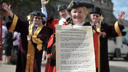 Sudbury's Mayor Sue Ayres with the Proclamation for Suffolk Day 2018 Picture: SARAH LUCY BROWN