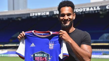 Ipswich Town have signed winger Jordan Roberts on a Bosman free transfer from League Two side Crawle