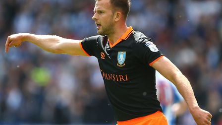 Sheffield Wednesday's Jordan Rhodes is reportedly set to talk to Norwich City about a season-long lo