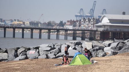 The hot weather in Felixstowe brings out thousands of beach goers. Picture: GREGG BROWN