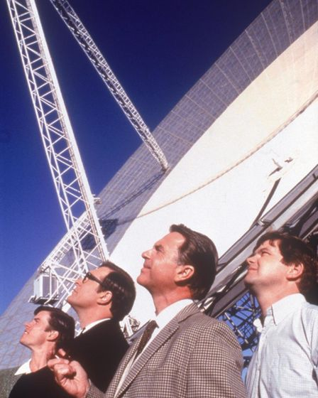 Sam Neill, Patrick Warburton, Kevin Harrington, Tom Long in The Dish, the Australian film about the