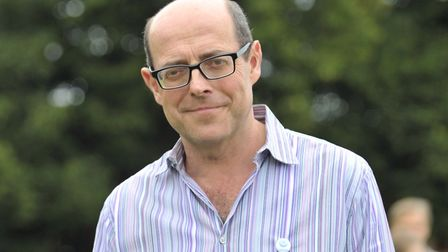 BBC's Nick Robinson handing out the trophys at Orford fete