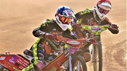 Drew Kemp blue helmet in action for Mildenhall. He links up with the Witches, as well as the Fen Tig