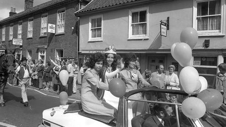 The carnival queen waves to the crowds Picture: ARCHANT
