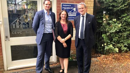 Dr Dan Poulter, headteacher Julia Waters, and Education Secretary Damian Hinds at Palgrave School. P