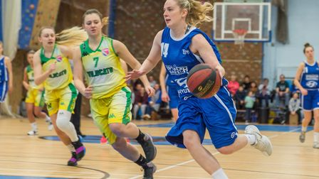 Harriet Welham led Ipswich to a huge win in their first league game, scoring 28 points and adding 12