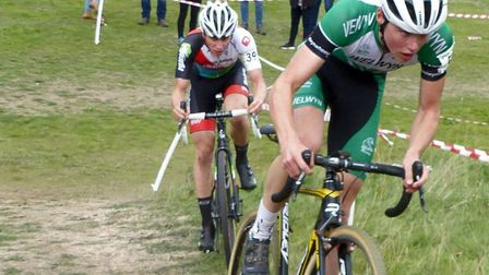 Oliver Stockwell (Welwyn Whs) leads eventual Senior Men's winner James Madgwick at Colchester. Pictu