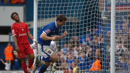 Alan Lee was among the scorers as the Blues beat Preston 2-1 in 2007