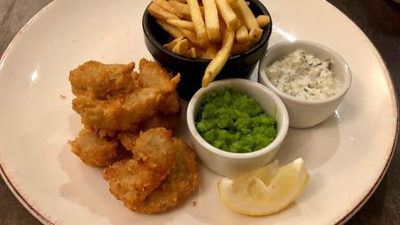 Liz's main at The Packhorse Inn - Kilhome Bay scampi. Delicious and meaty - but you'd expect a full