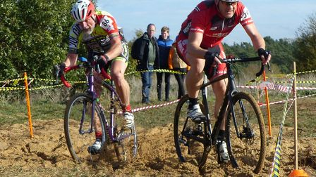 Adi Grimwood (West Suffolk Whs, right) and Jonathan Taylor struggle in the sand Photos: FERGUS MUIR