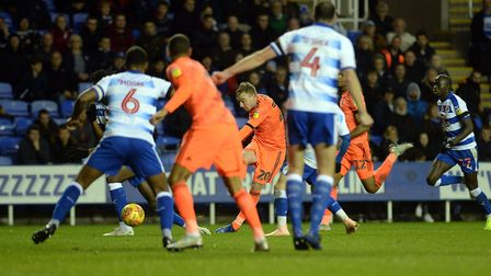 Freddie Sears shoots through a crowd of bodies at Reading during the second half Picture Pagepix