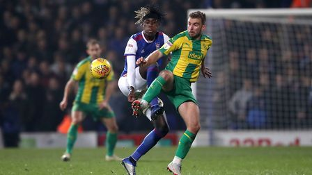 Ipswich Town's Trevoh Chalobah (left) and West Bromwich Albion's James Morrison battle for the ball