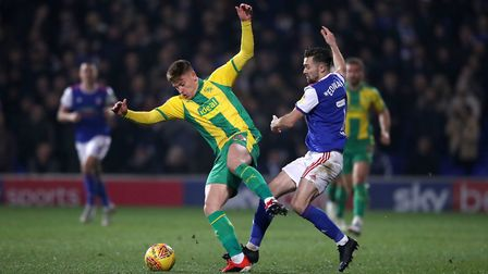 West Bromwich Albion's Kyle Bartley (left) and Ipswich Town's Gwion Edwards battle for the ball duri