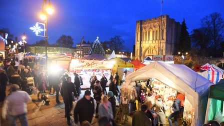 Bury St Edmunds Christmas Fayre will continue over the weekend when heavy traffic is expected.