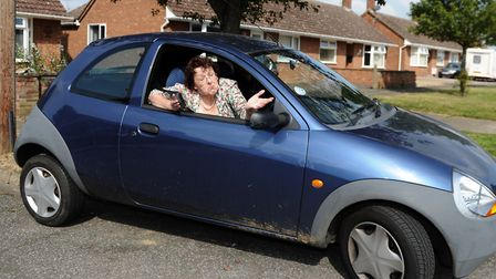 That reverse round a corner still isn't too great. Lynne is put through advanced driving test paces