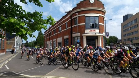 Women's Tour passing the Arcant offices of the EADT & Ipswich Star on the corner of Portman Road an