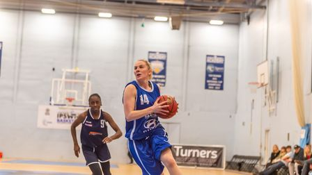 Ipswich star Harriet Welham leaves the defence standing and heads to the rim. Picture: PAVEL KRICKA