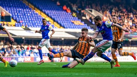 Alan Judge shoots early in the second half against Hull. Photo: Steve Waller