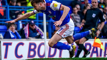 Gwion Edwards crashes to the ground after being pushed by Eric Lichaj but there was no foul given.