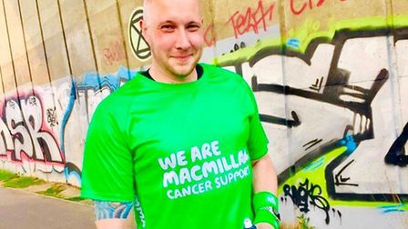 Darren Moffat, from Bury St Edmunds, will take on the London Marathon just a year after a cancer dia