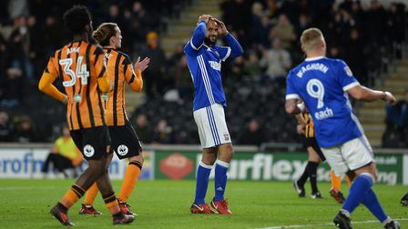 David McGoldrick holds his head after having a second half penalty saved at Hull. Photot: Pagepix