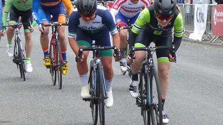 Gemma Melton (Pedal Power Ipswich) outsprints Fran Hall (DAP) for third place in the women's race at