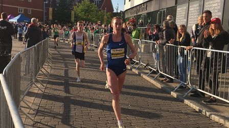 Laura Weightman strides out, on her way to a personal best and a course record at the Ipswich Twilig