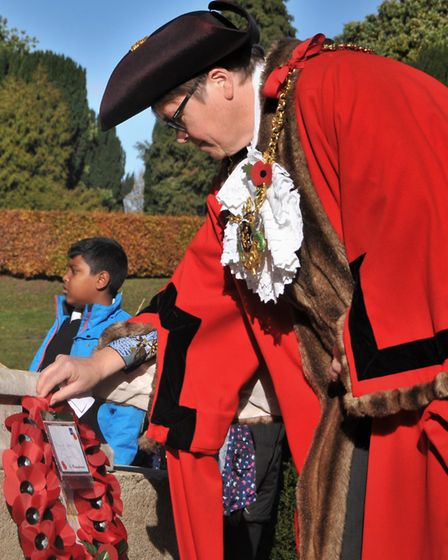 Laying a wreath at the war graves at Ipswich Cemetery. Picture: JADE GIDDENS/Ipswich Council