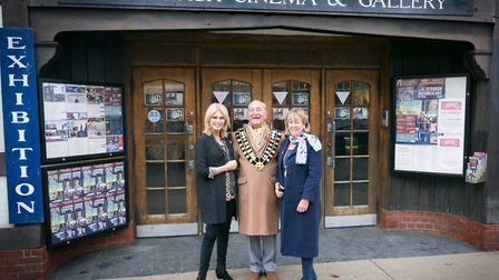 Joanna Lumley (left), with then mayor John Digby and his wife, Jenny, outside Aldeburgh cinema. Phot