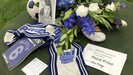 One floral arrengement at the Suffolk Show flower tent was a tribute to Ipswich Town legend Kevin Be