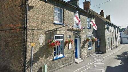 The Royal William pub, in Union Street East, Stowmarket, now has a defbrilatir fitted to the outside