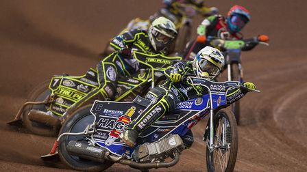 Edward Kennett and Jake Allen gate to a heat two 5-1 maximum at Belle Vue. The two Witches reserves