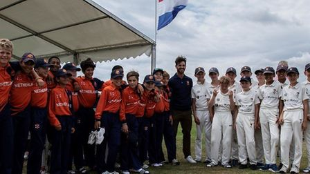 Ryan Ten Doeschate meeting the Netherlands U12 who had an exciting end to the drawn game with Norfol