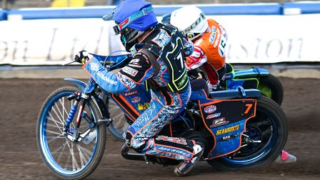 Witches guest Nico Covatti inside Troy Batchelor in heat four. Picture: Steve Waller www.steph