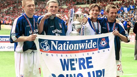 Ipswich Town started the 1999/00 season with four wins and two draws in the league. They ended up wi