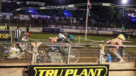 The tapes rise in the final heat at Foxhall last night, where the Witches lost 41-49 against Swindon