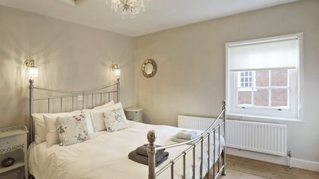 Jasmine Cottage in Woodbridge is a 3 star rated Victorian cottage and situated very close to the qua